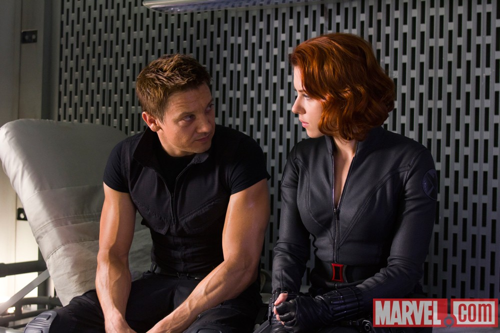 Scarlett Johansson and Jeremy Renner talk The Avengers, also TV Trailer